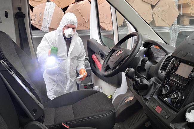 Sanificazione interno furgone