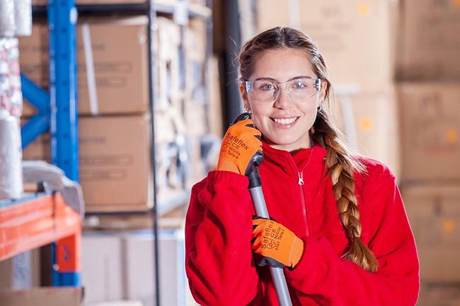 logistica pulizia donna occhiali protezione